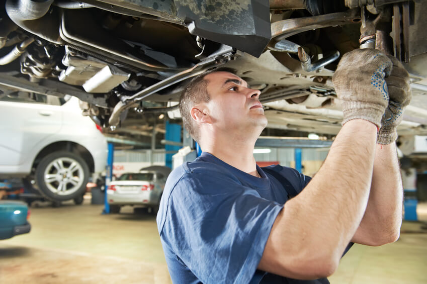 2 Good Reasons to Use an Independent Nissan Mechanic vs. a Dealership